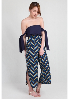 Geometric Slit Culottes in Navy