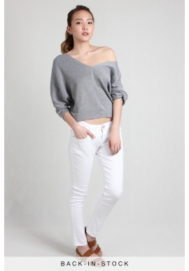 V-Neck Knit Pullover in Grey