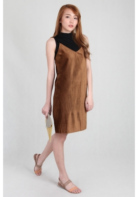 Felt Pleated Spag Dress in Mocha
