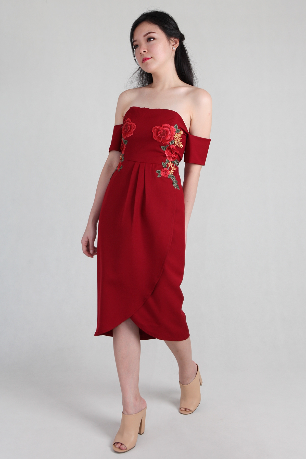Blossom Embroidery Tube Dress in Wine